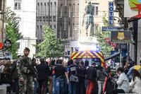 Explosion à Lyon: une dizaine de blessés, Macron parle d'