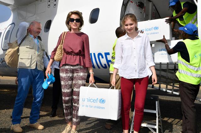La princesse Elisabeth crée la surprise en accompagnant sa mère, la reine Mathilde, en mission au Kenya