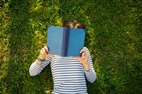 Six bonnes raisons de se (re)mettre à la lecture