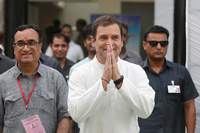 Inde: la fin de la dynastie politique des Nehru-Gandhi?