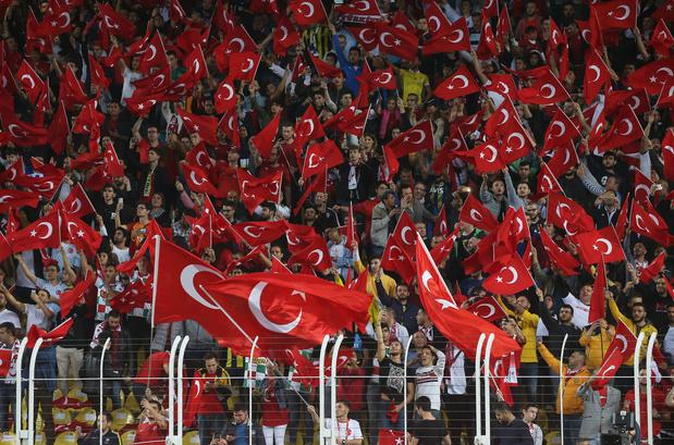 Des politiques appellent à annuler le match France-Turquie