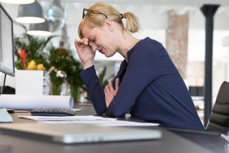 Waarom je beter niet in je zetel herstelt van een burn-out