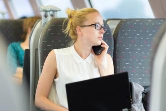 Moet je werkgever meebetalen in de kosten van je treinabonnement?