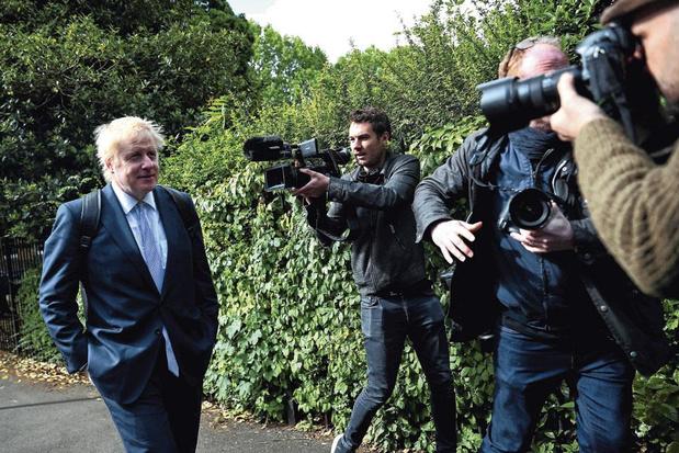 Police débarque au domicile de Boris Johnson pour une
