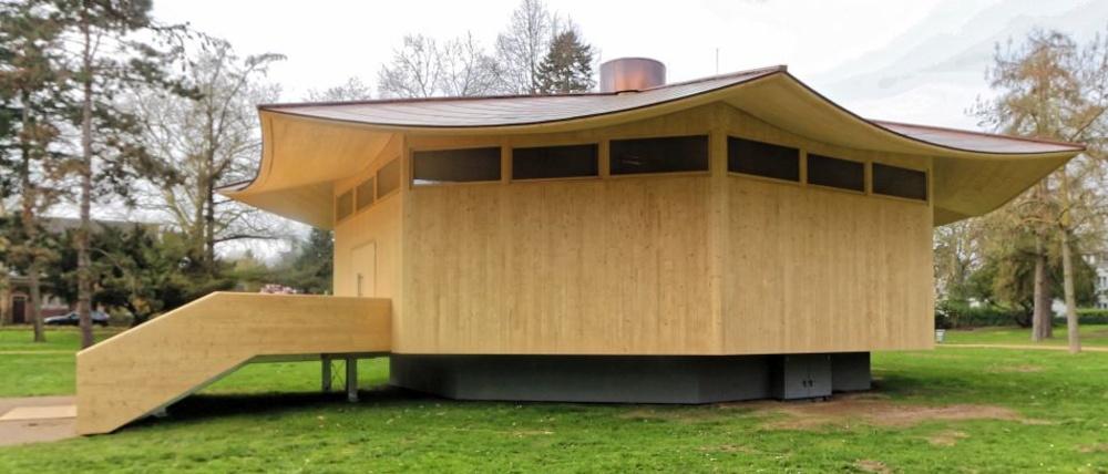 Thomas Schütte Paviljoen, Pelz, Wikicommons