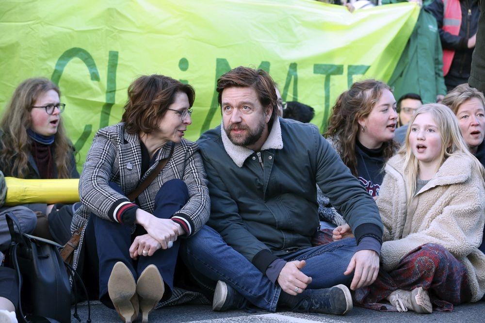 Ook tv-gezichten Francesca Vanthielen en Koen Degraeve tekenden present, Belga Image