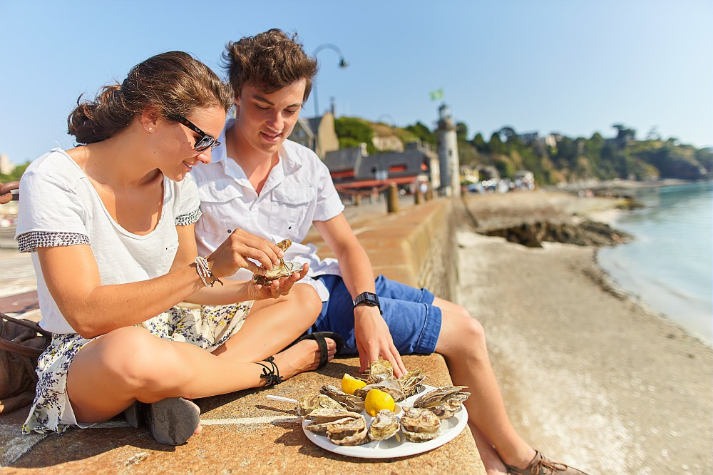 Oesters proeven in Cancale., Alexandre Lamoureux