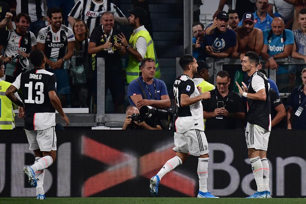 Cristiano Ronaldo lachte met de VAR na z'n doelpunt., BELGAIMAGE