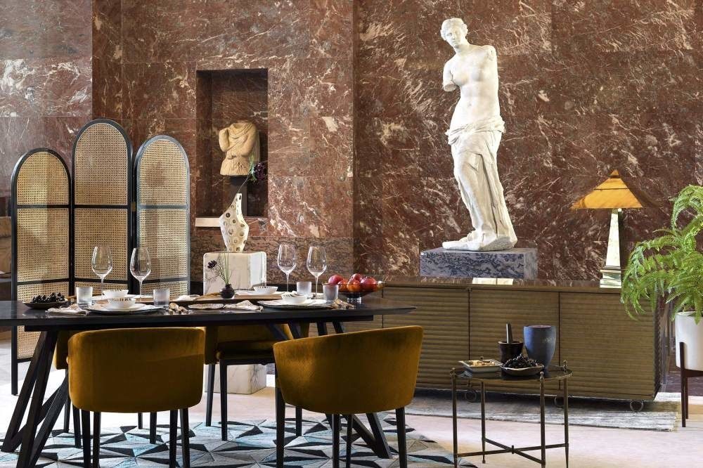 Venus van Milo, Airbnb-Louvre/Julian-Abrams