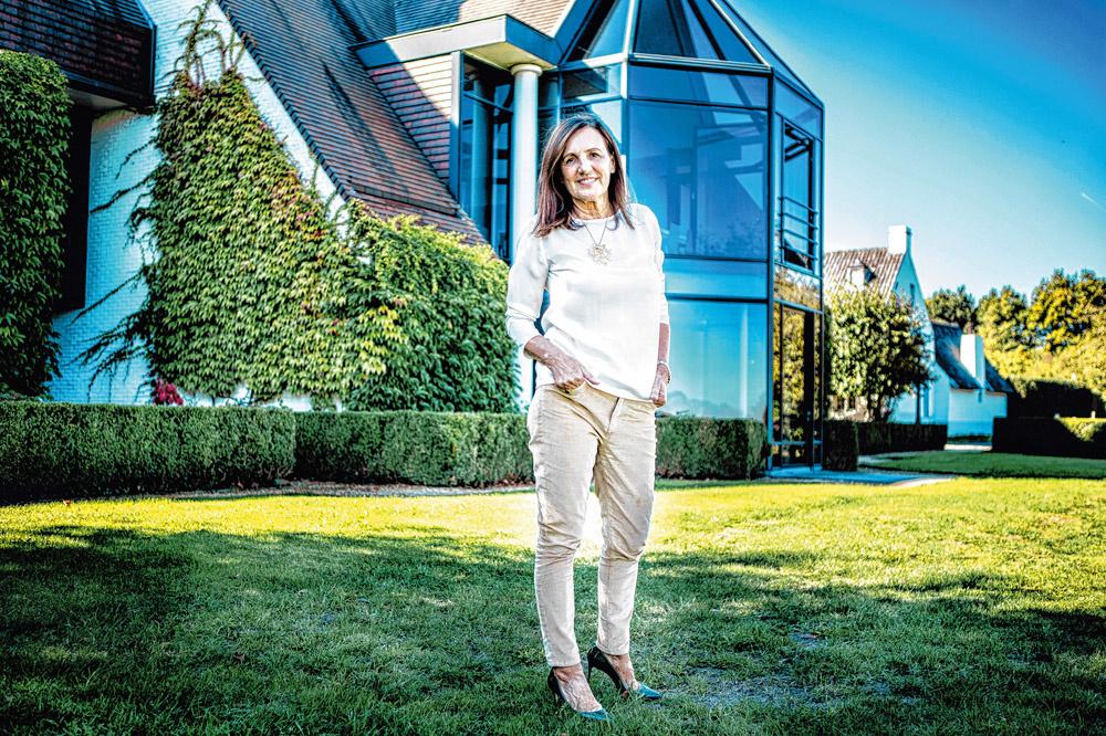 """""""Je me demande parfois s'il est éthique de refuser à un entrepreneur, propriétaire à 100%, le droit d'engager son fils ou sa fille dans l'entreprise."""" - Agnes Lannoo-Van Wanseele, administratrice indépendante., Emy Elleboog"""