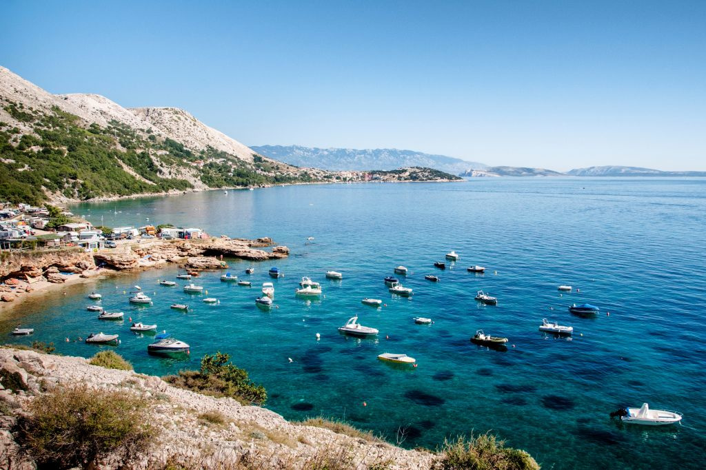 Cres Island is een heuvelachtig paradijs met kiezelstranden., Getty Images