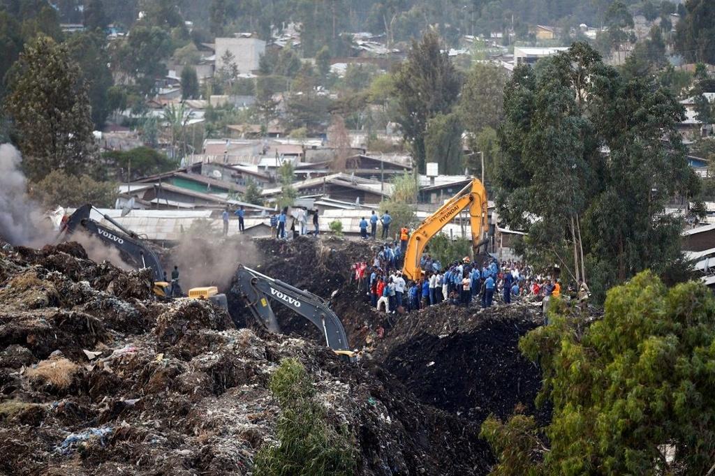 Une équipe de recherche en Ethiopie après la catastrophe., Reuters