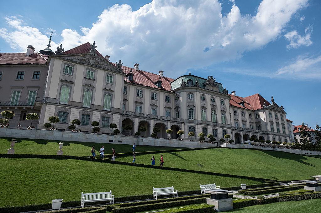L'arrière du palais royal avec vue sur la Vistule, iStock