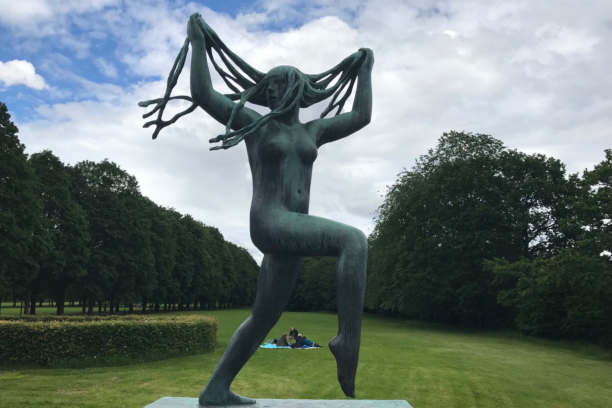 Een van de bronzen beelden op de beroemde brug in het Vigeland Park., WS