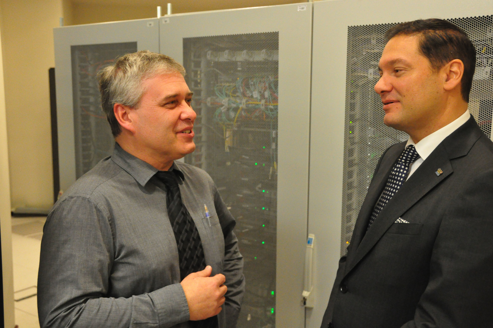 Eric Roelandt, Adviseur-Generaal bij het Rijksregister en Antoine Kerrinckx, CEO van Atos Belux., .