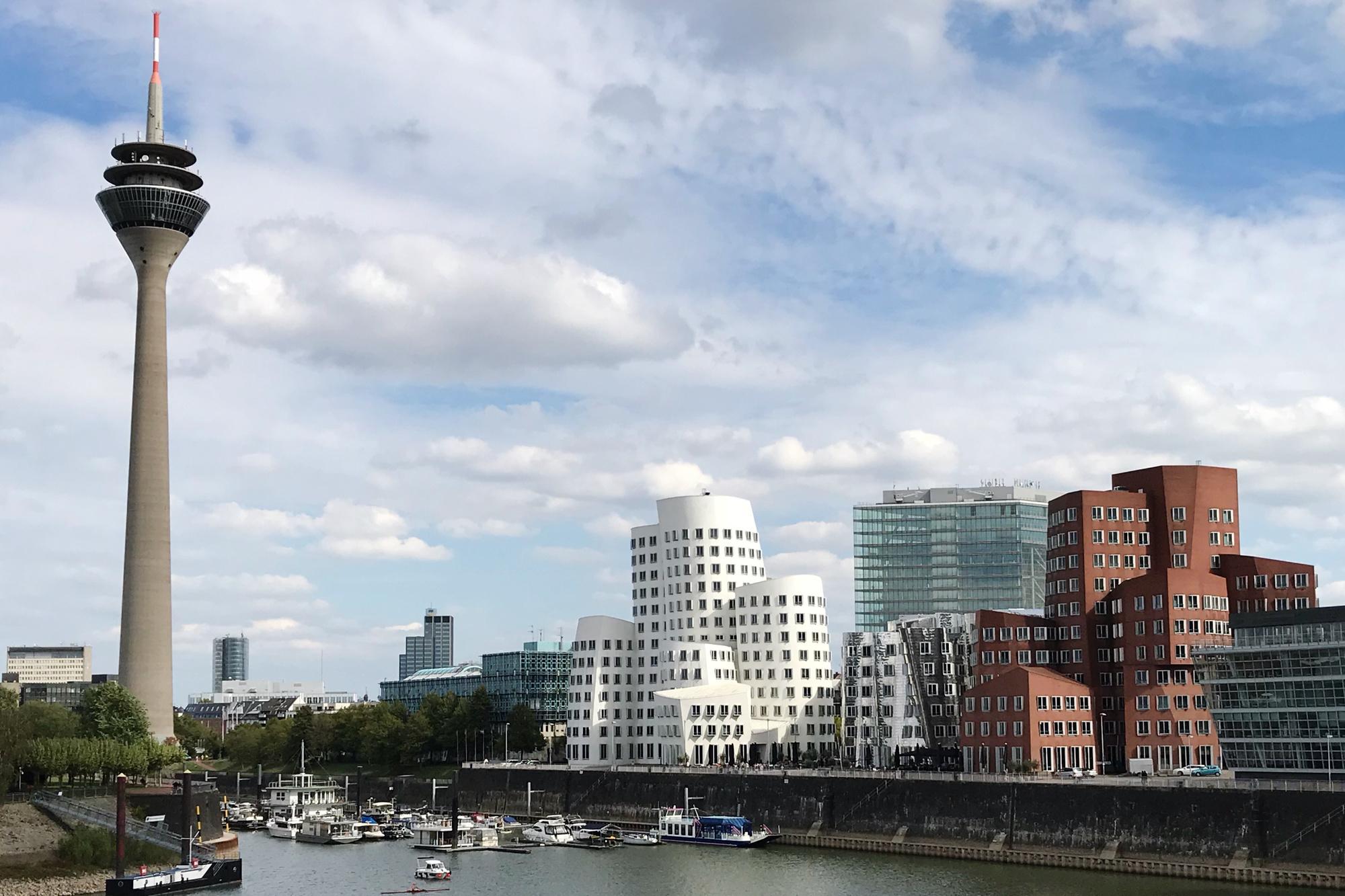 """Les """"bâtiments dansants"""" de l'architecte américain Frank Owen Gehry, Getty"""