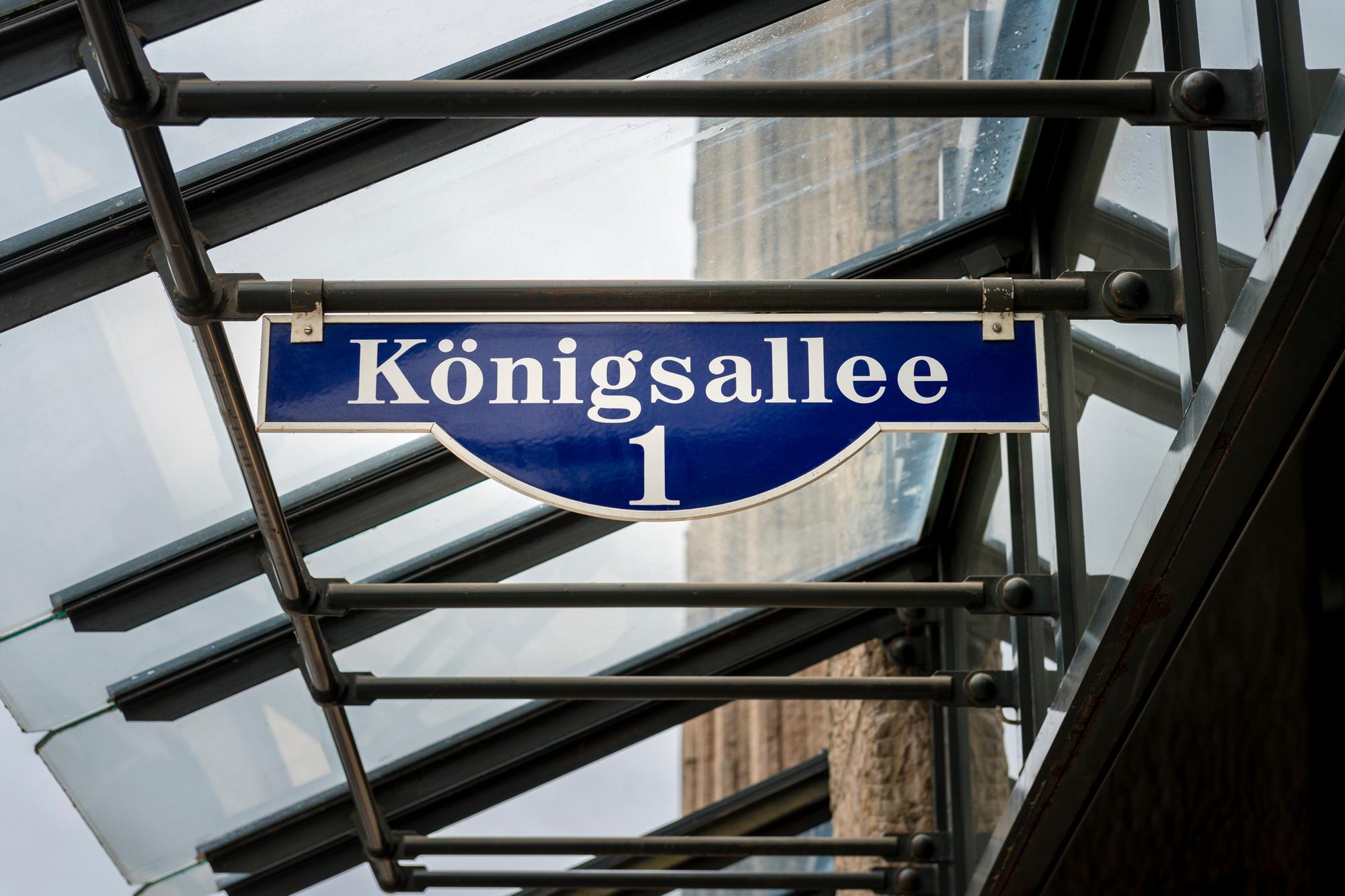 De Königsallee, beter bekend als de Kö, is een zeer stijlvolle winkelboulevard, Getty