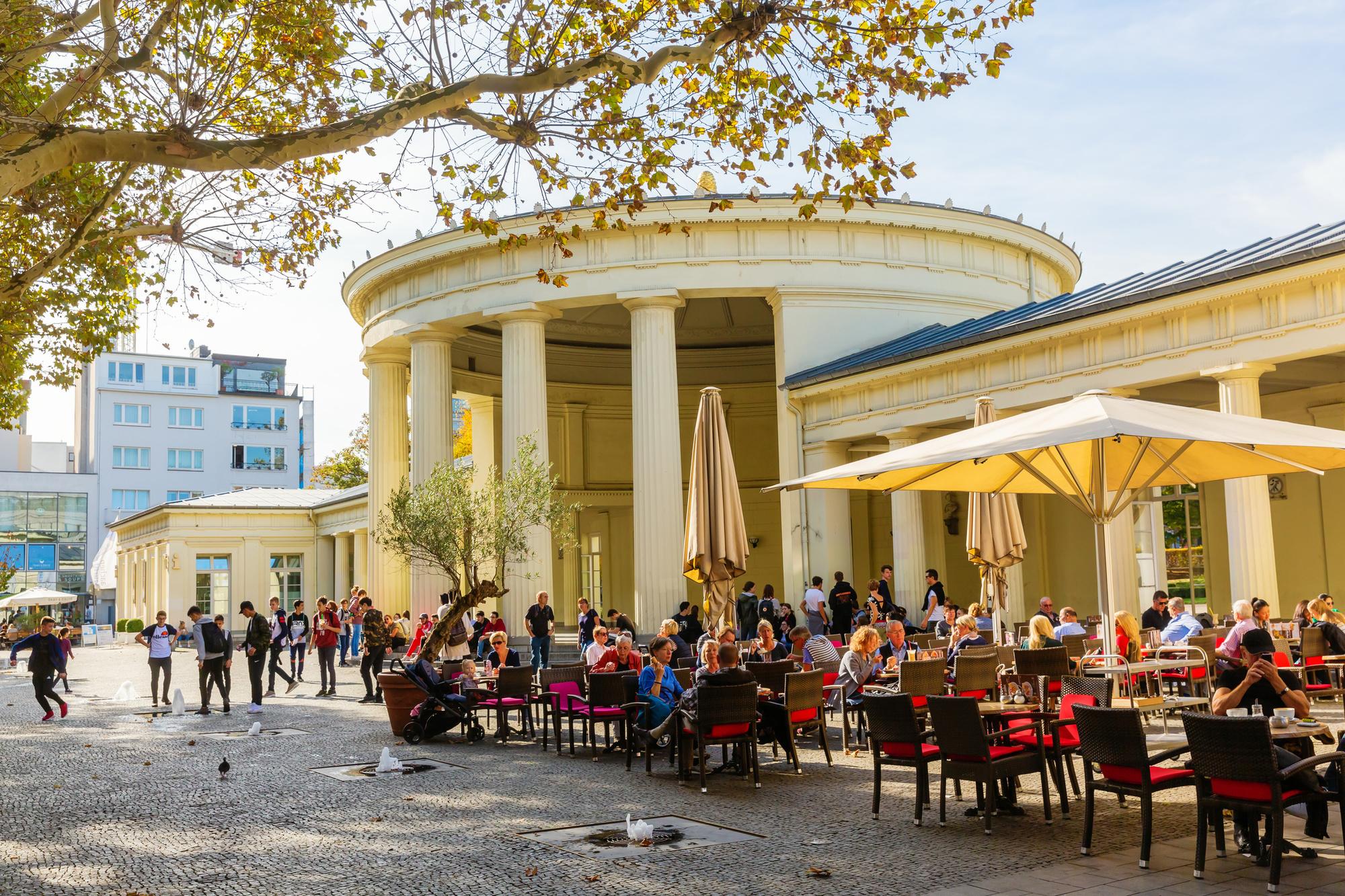 Elisenbrunnen, l'un des signes distinctifs de la ville, Getty