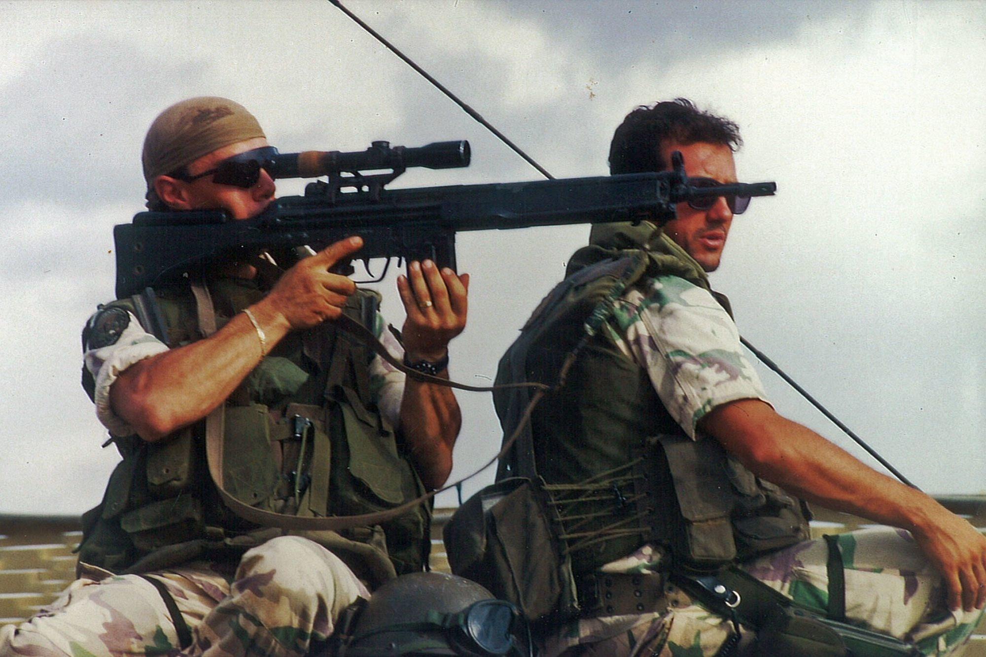 A l'aéroport de Kigali, QG des forces belges, italiennes..., Fernand Domange