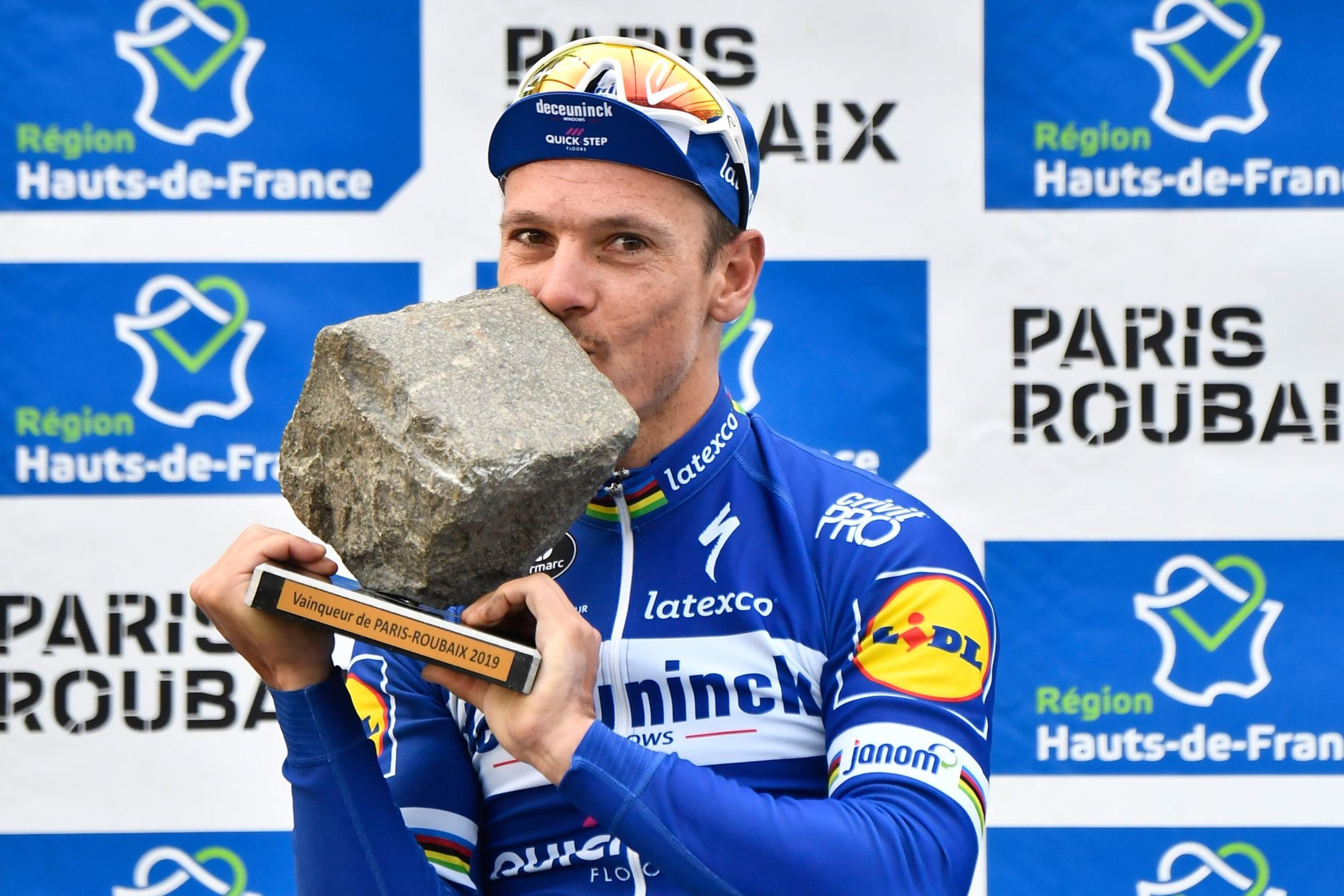 Voor de 36-jarige Gilbert was het nog maar de derde deelname aan Parijs-Roubaix en dat leverde meteen een zege op, zijn tweede van het seizoen en ook de eerste Belgische klassieke zege dit voorjaar. , Belga