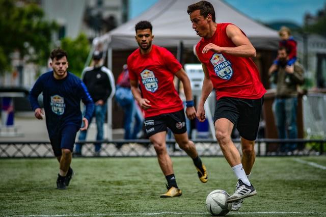 Freestyler Martijn Debbaut behoort tot het kransje voetballers persoonlijk door Neymar gekozen., KREW Photography