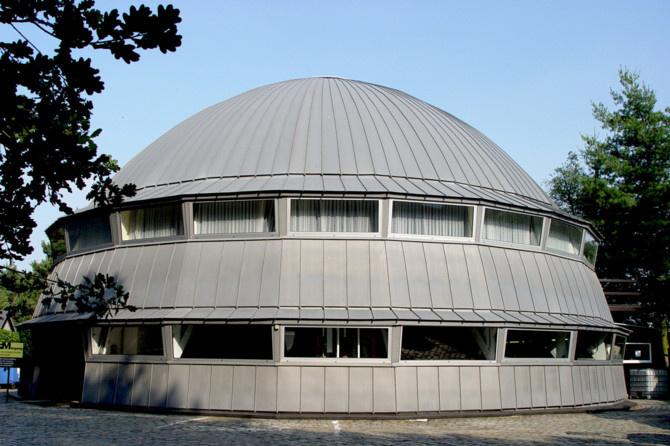 Het hoofdgebouw van het Frans Masereel Centrum, Foto R.V.