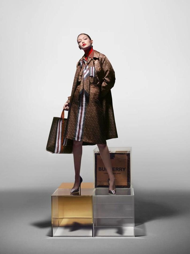 Gigi Hadid voor Burberry, Burberry