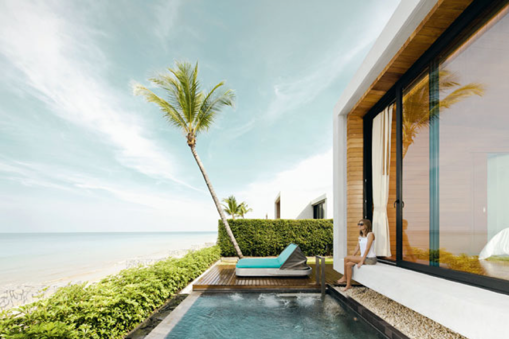 Poolvilla aan het kilometerslange, ongerepte strand van designhotel Casa de la Flora, Khao Lak., LINDA ASSELBERGS