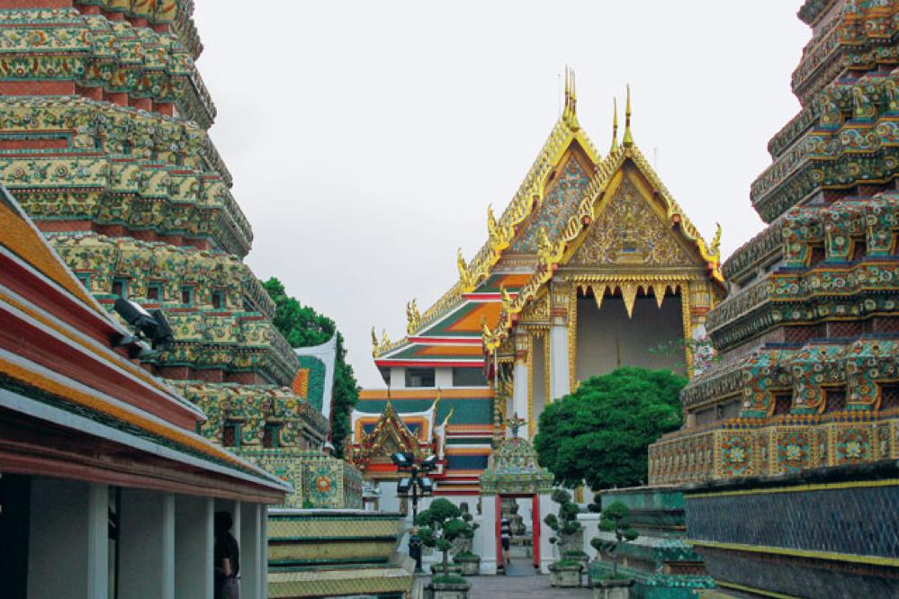 Het tempelcomplex van Wat Pho, toeristische bezienswaardigheid én oord van bezinning., LINDA ASSELBERGS