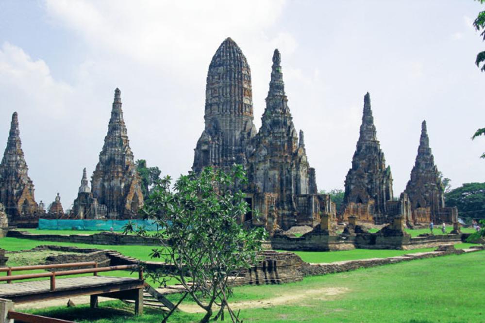 De verweerde schoonheid van de oude hoofdstad Ayutthaya, Unesco-werelderfgoed sinds 1991., LINDA ASSELBERGS