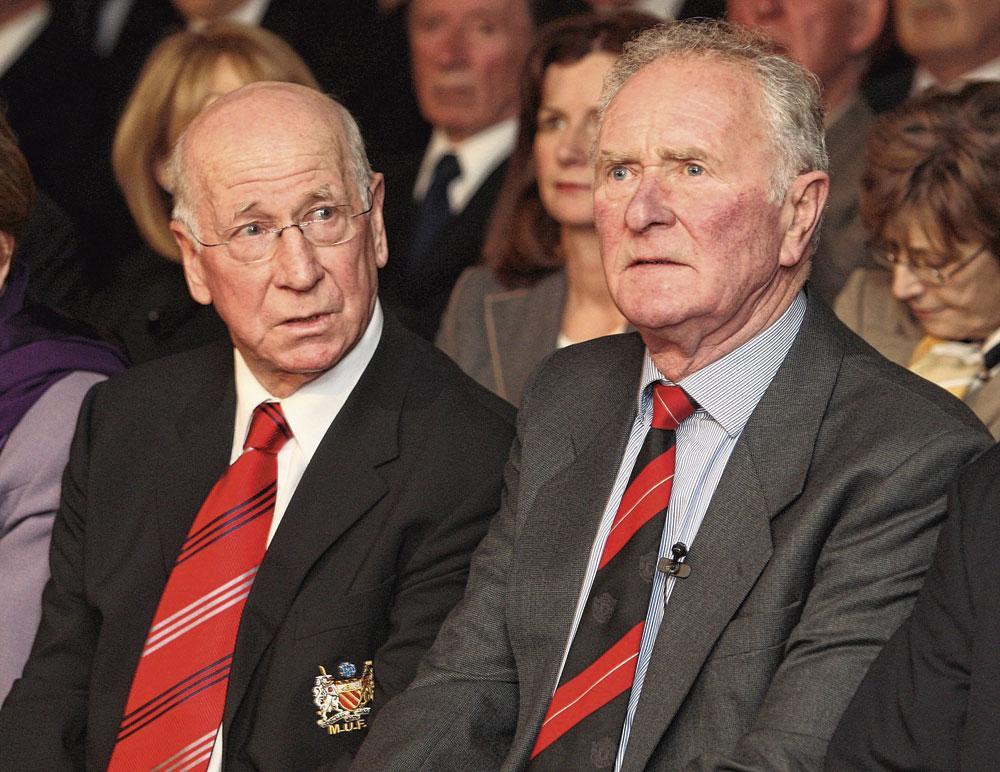 Bobby Charlton et Harry Gregg lors de la commémoration de la tragédie de Munich en 2008., BELGAIMAGE