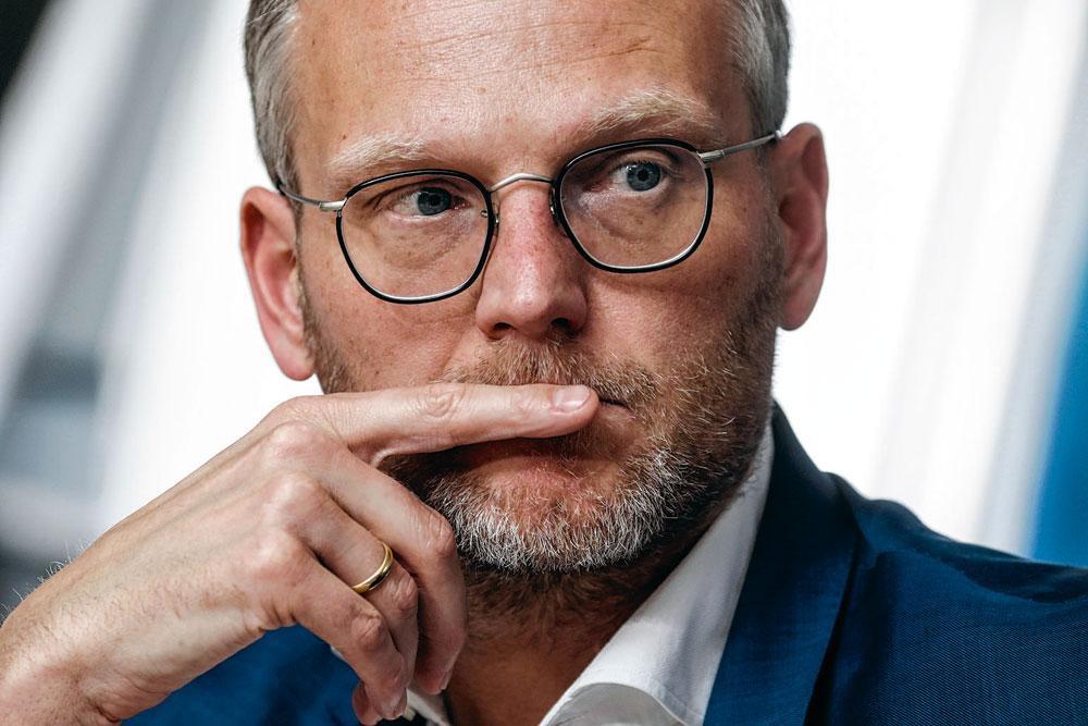 Peter Croonen: 'Een club mag niet staan of vallen met één persoon, al was de trainer in het voorbije verhaal belangrijk.', BELGAIMAGE