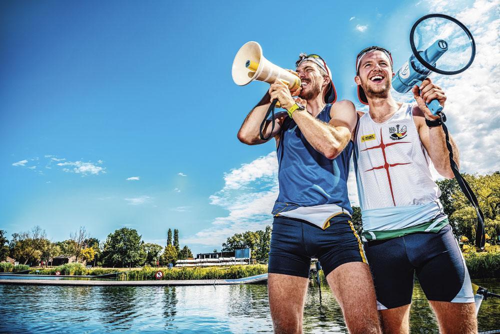 Niels Van Zandweghe (rechts): 'Als het zonnetje schijnt, denk ik meteen: wie mag er vandaag nóg in korte broek gaan werken? Ik ben een gelukzak.', INGE KINNET
