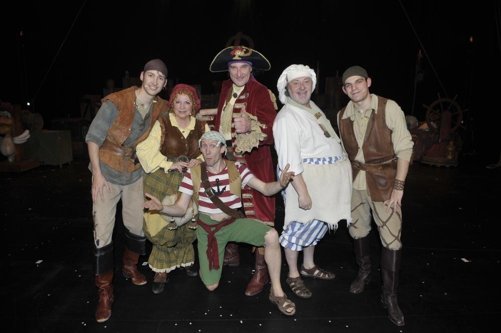 De cast van Piet Piraat., FODI