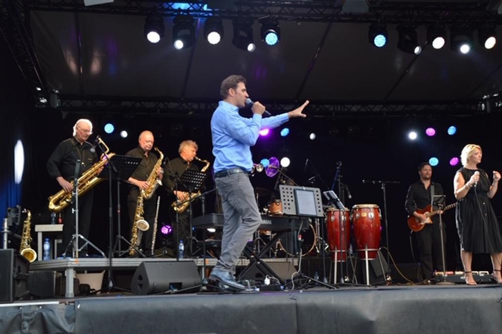 Jan Wuytens en The Sonny Boys tijdens de Batjes in Roeselare., GF
