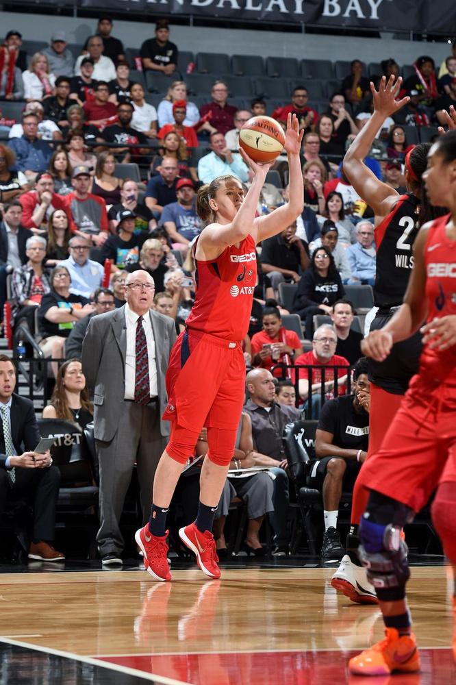 Emma Meesseman was goed voor 22 punten in de vierde wedstrijd., NBAE via Getty Images