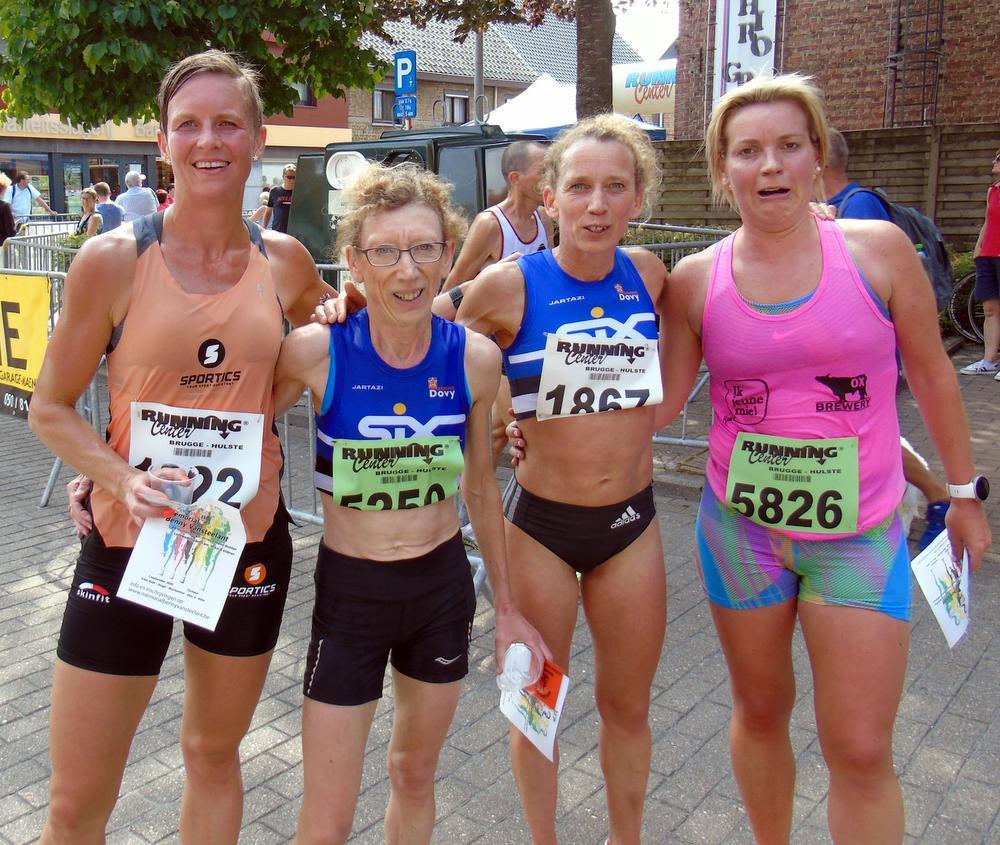 De top 4 bij de dames: Charline Vanneste Sabine Dejaeghe, Veerle Dejaeghere, Sabine Dejaeghere en Lies Deruddere, FRO