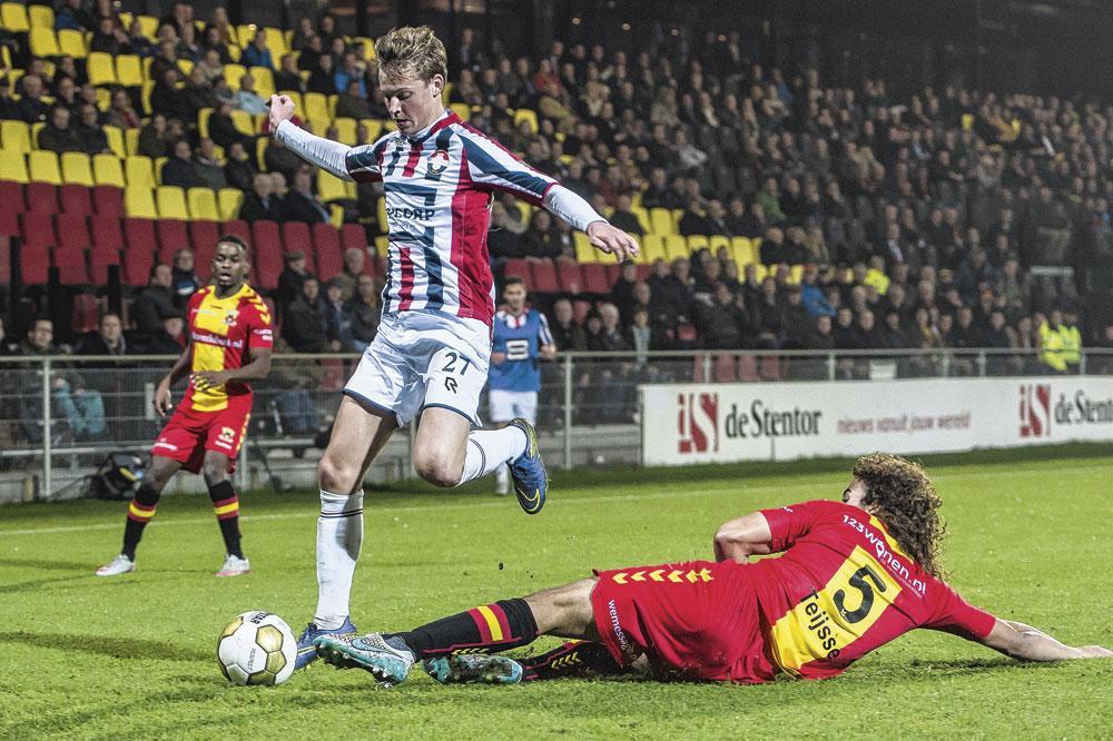 Après son transfert à l'Ajax, Frenkie a encore été loué durant un an à Willem II., VI IMAGES