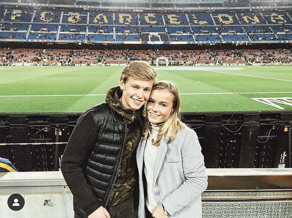 Avec sa copine Mikky en visite au Camp Nou en 2015., VI IMAGES