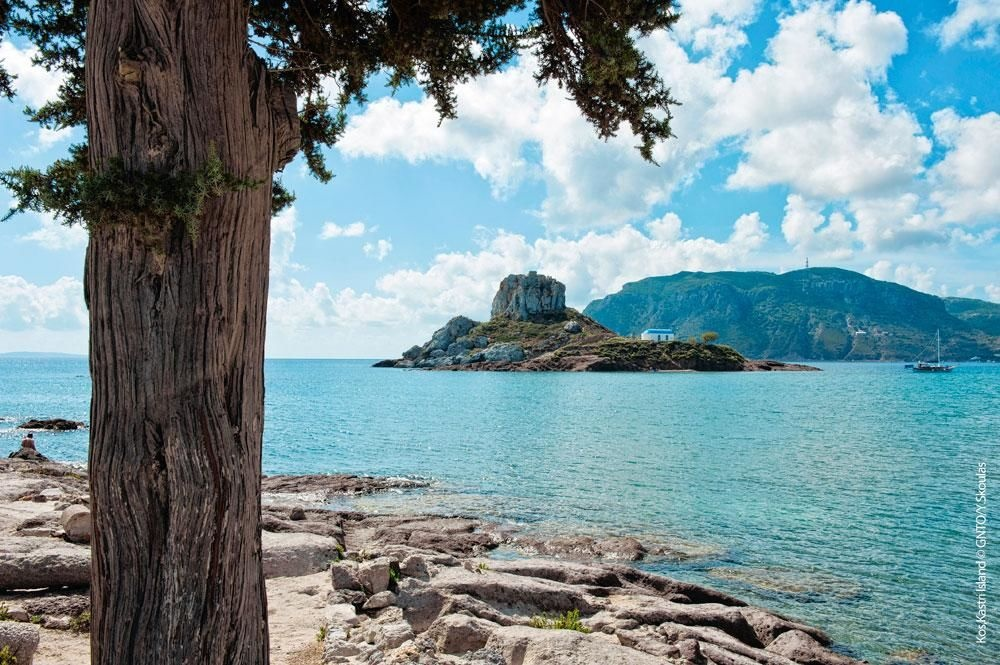 La petite île de Kastri, dans la baie de Kefalos., SDP
