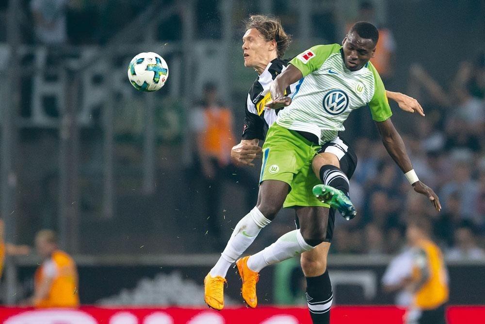 Landry Dimata bij Wolfsburg: 'Er zijn zeker makelaars met goede bedoelingen, maar het overgrote deel denkt enkel aan zijn bankrekening.', DIEGO CRUTZEN