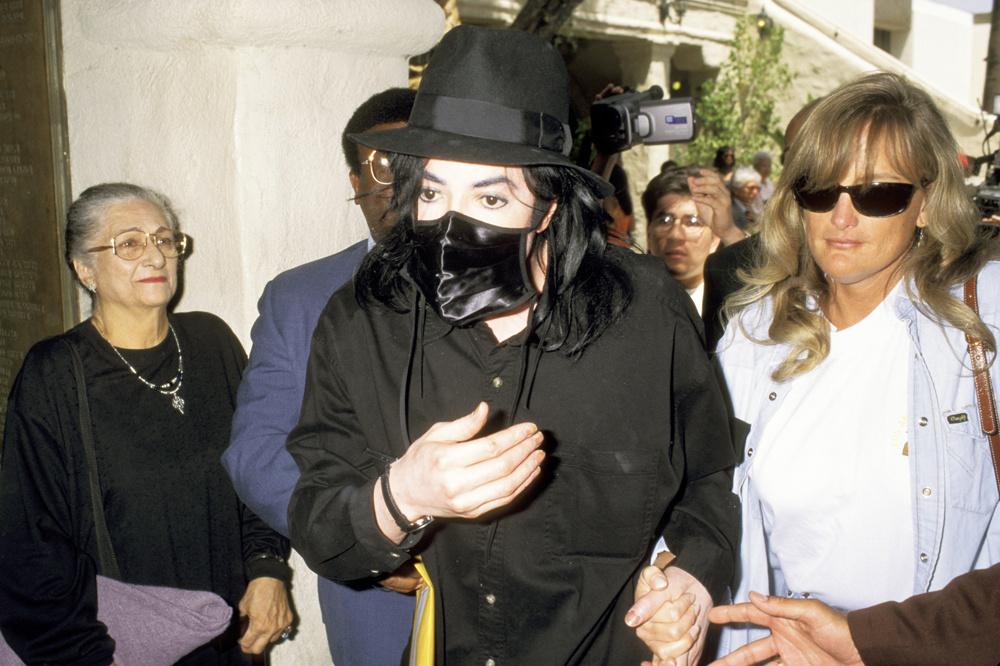 Debbie Rowe en compagnie de la star, en 1996, Getty Images