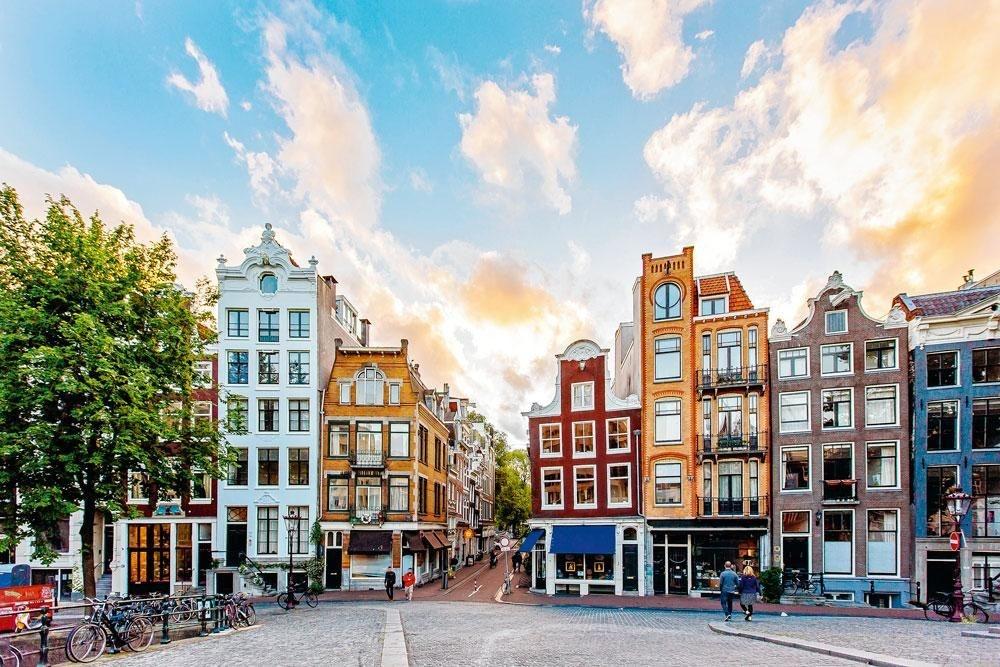 NEDERLAND - Nederland heeft de traditie in kernen te wonen, waardoor niet iedereen voor elke verplaatsing een auto nodig heeft., Getty Images