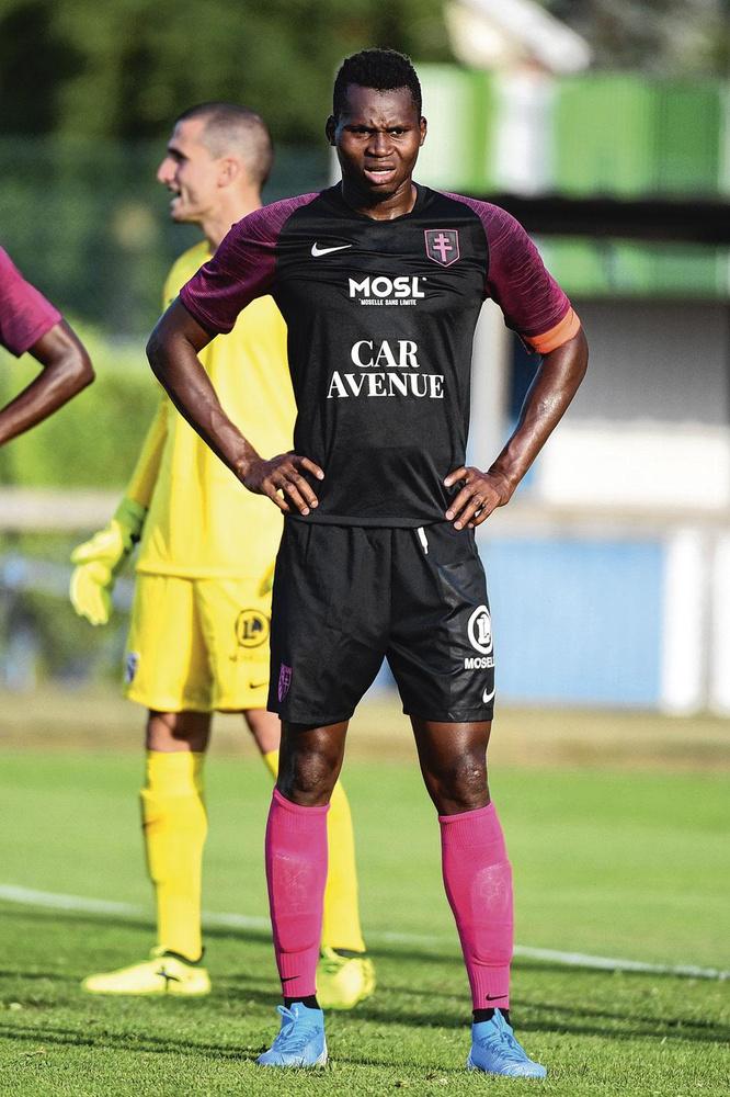 Habib Diallo, Icon Sport