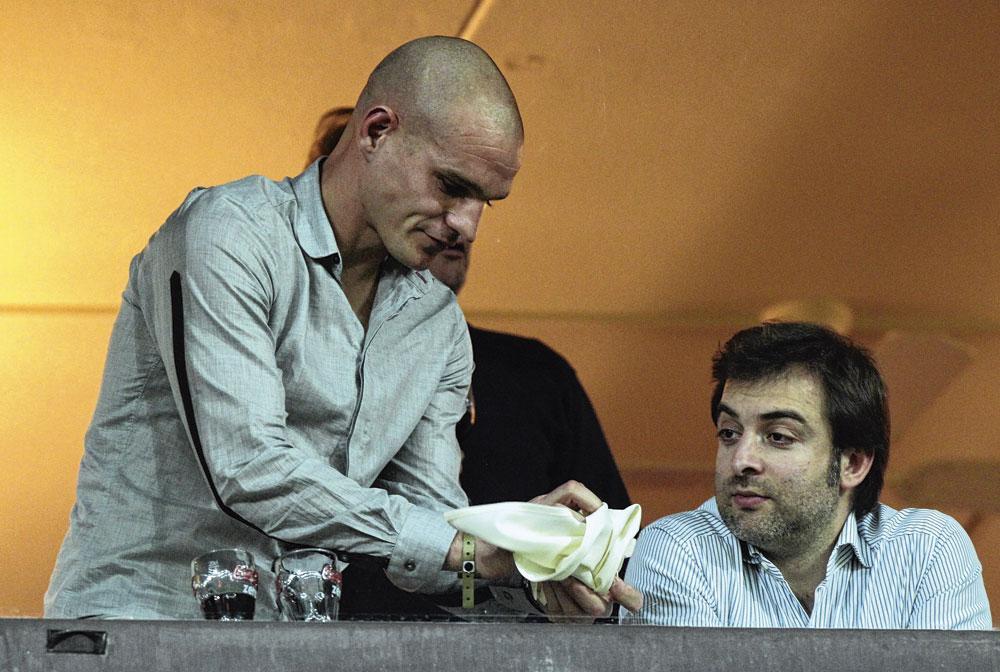 Benjamin Nicaise et Mogi Bayat, à Sclessin en 2011. Les deux hommes travaillent ensemble depuis un bon moment., belgaimage