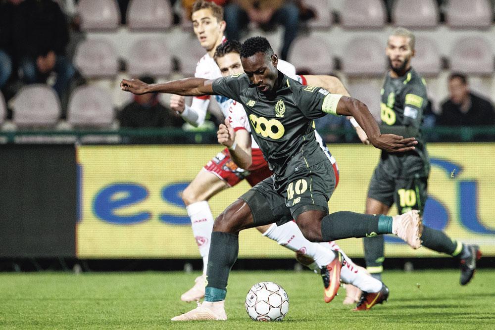 11 november 2018: Standard, met deze Paul-José Mpoku, speelt in het Guldensporenstadion. Na de match doet zich een incident voor tussen de Standardspeler en een KVK-supporter., BELGAIMAGE