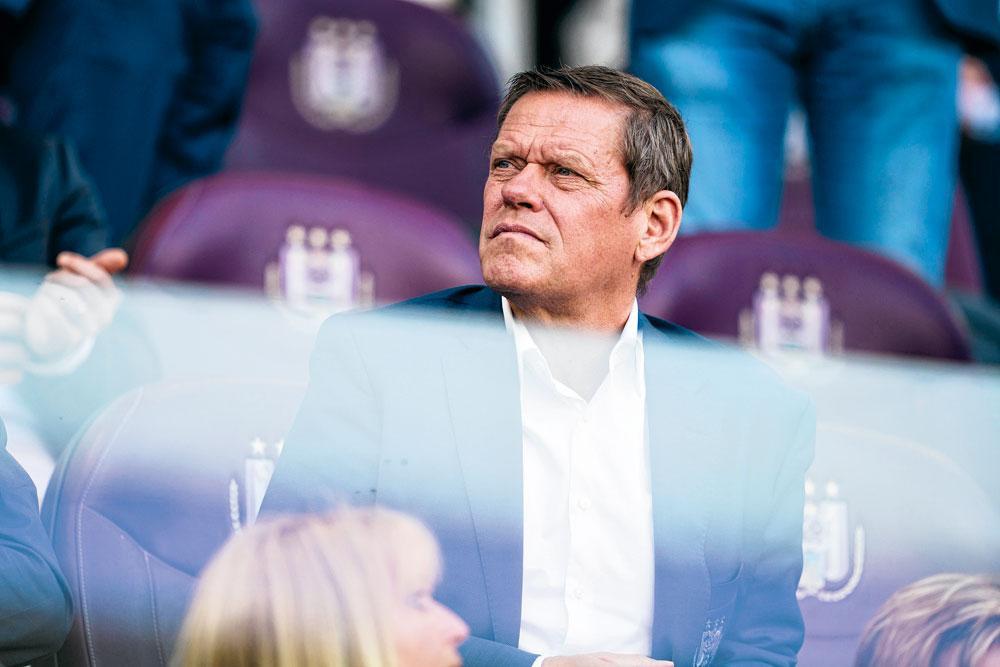 Frank Arnesen: 'Het zou fout zijn om de druk op de club te verhogen door te zeggen: als we geen kampioen spelen, dan is het een verloren seizoen.', FILIP NAUDTS