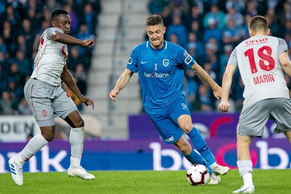 KRC Genk - Standard 0-0. De jonge Dries Wouters (midden) greep zijn kans in de feestelijke seizoensafsluiter tegen de Rouches. De toekomst van Genk lijkt verzekerd., BELGA