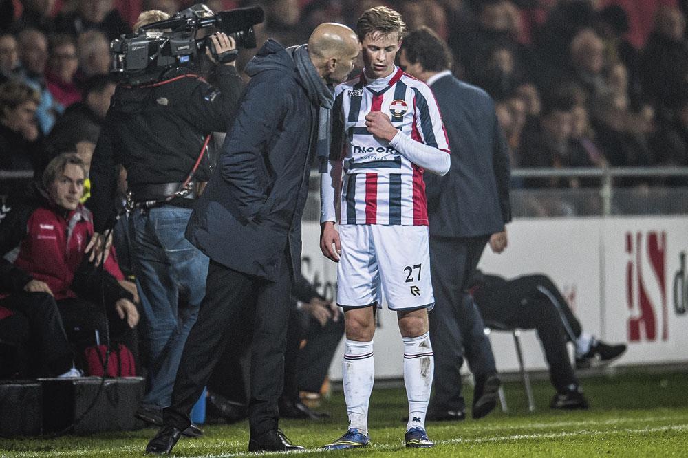 En compagnie du coach de Willem II, Jurgen Streppel., VI IMAGES