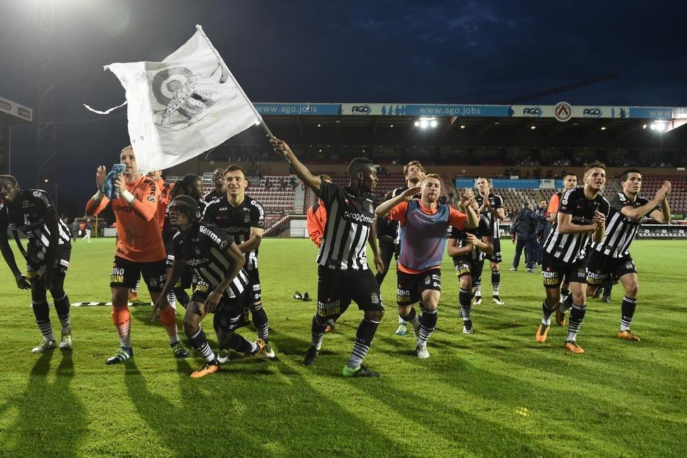 Charleroi viert in het Guldensporenstadion. Afwachten of we dat beeld ook vanavond zullen zien., BELGA